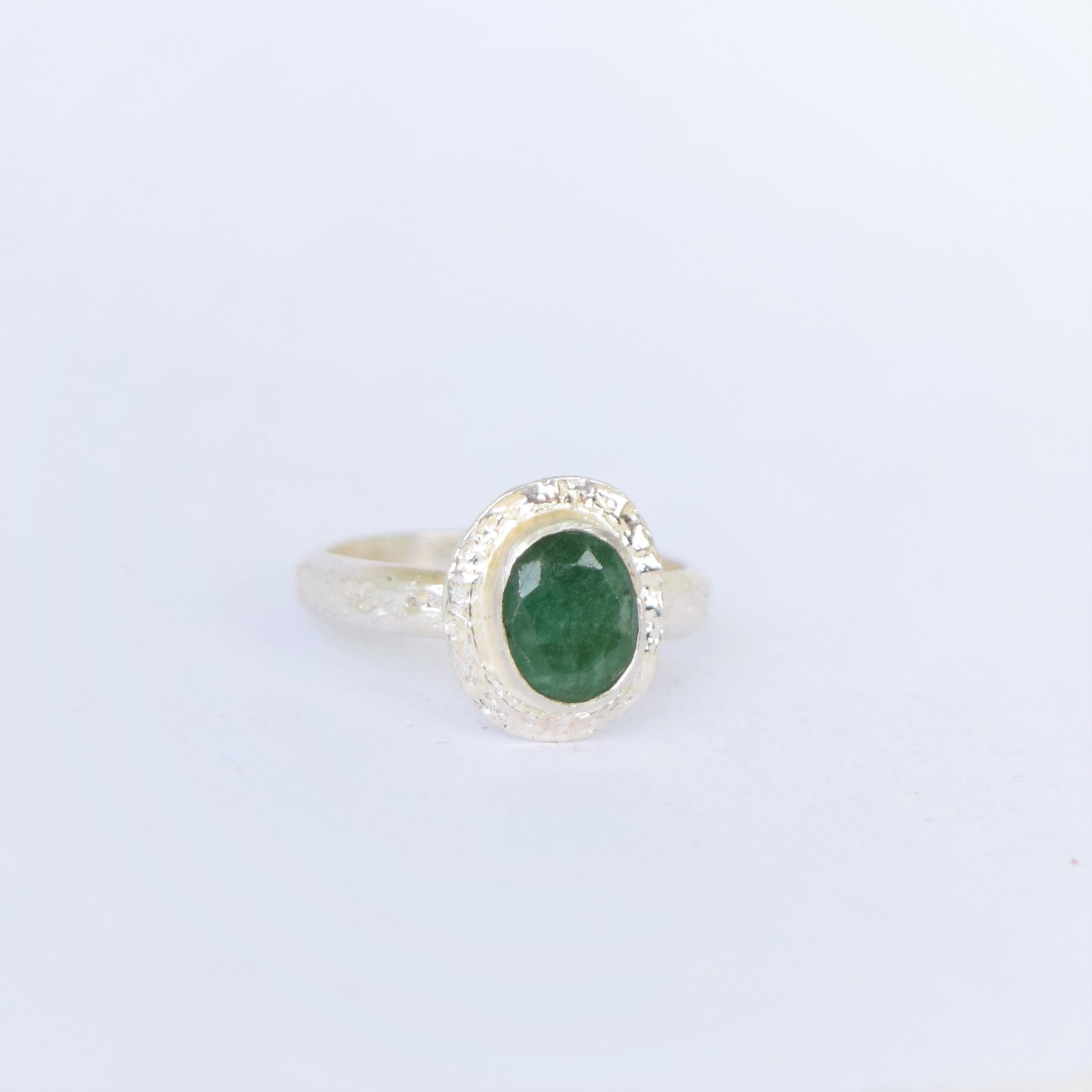 diamond cut in stone gold ring engagement graduated emerald white stones side with