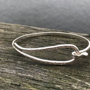 Jewellery - bracelet that hook on top 2